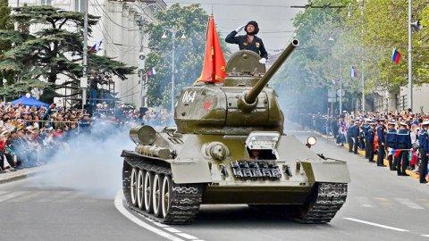 Историческая техника пройдет на параде в Севастополе