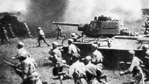 Великий археолог бил танки на Курской дуге