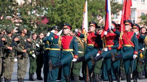 На Сахалине прошел парад победы