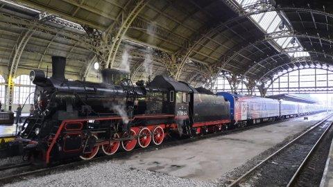 Поезд Победы заехал в Петербург