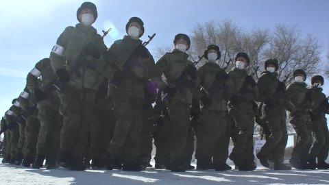 Военнослужащие в Поволжье начали подготовку  к Параду Победы в Самаре в составе парадных расчетов