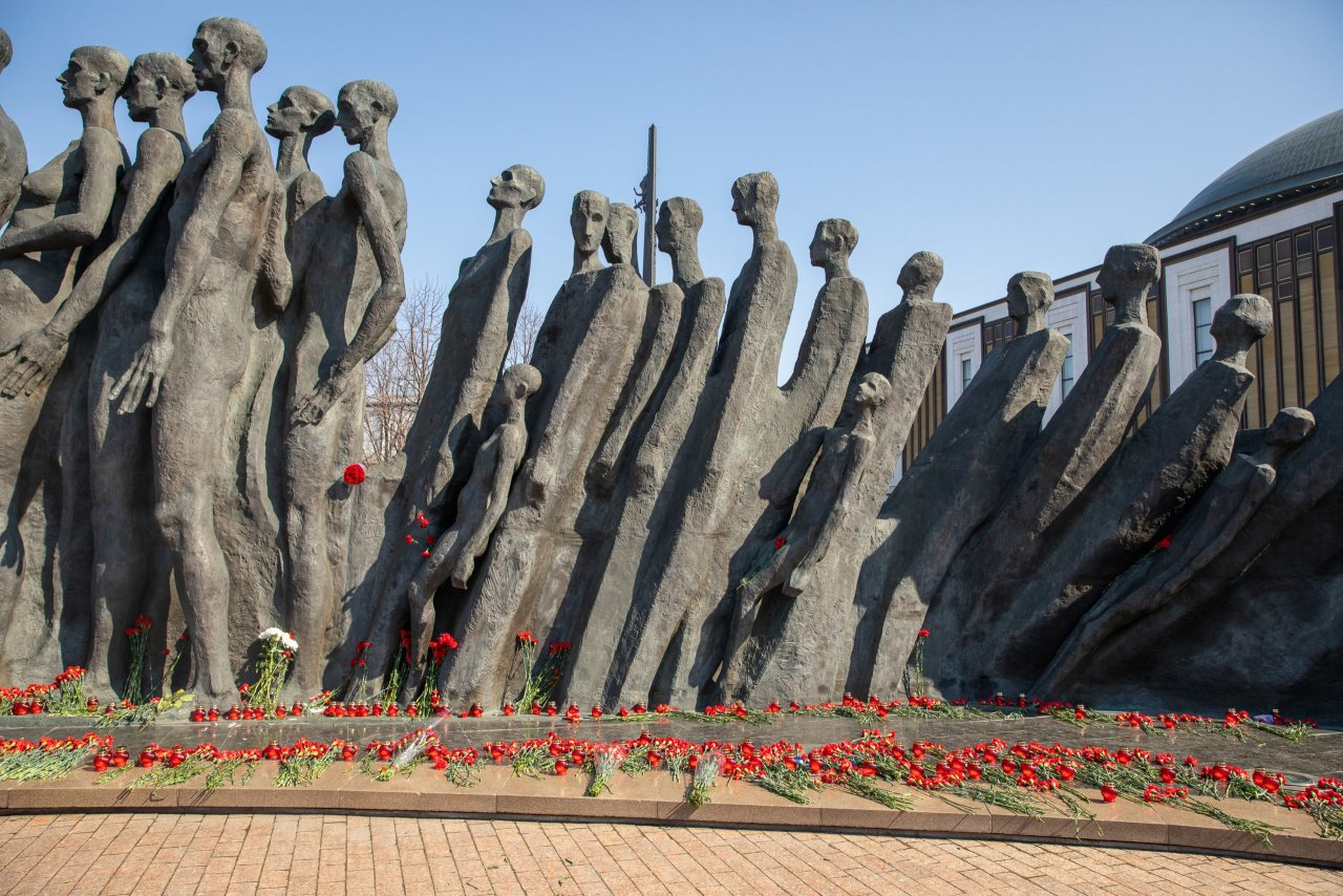 Музей Победы почтил память узников концлагерей