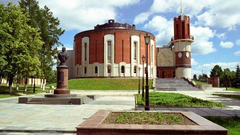 Калужский филиал Музея Победы с выставкой «Народные мстители»